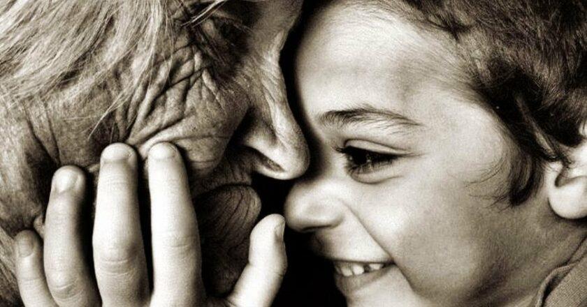 ¿Por qué un nieto es tan importante en la vida de los abuelos? Te lo contamos.