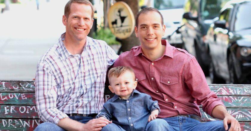 Un estudio revela que los hijos de parejas gay, tienen mejor rendimiento escolar que los de familias tradicionales.