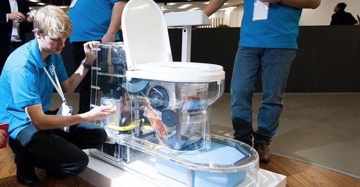 Los inodoros sin agua de Bill Gates, ya son una realidad. Y, además reciclan los desechos.