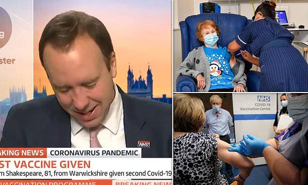 Una mujer de 90 años, es la primera persona en recibir la vacuna del COVID19 y el secretario de salud Matt Hancock, rompe en llanto.