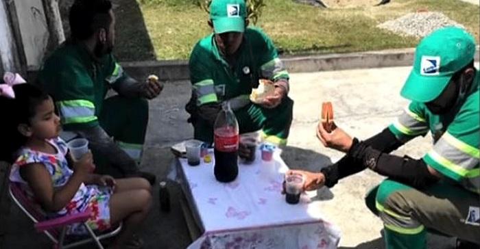 Una niña organiza un pic nic para los recolectores de residuos, en agradecimiento por su trabajo.