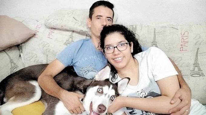 Una pareja decide operarse para no tener hijos. Su decisión genera debate.
