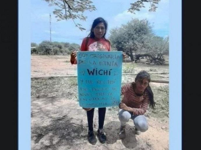 Es wichí, caminó 8 km por día para ir a clases y se recibió de docente.