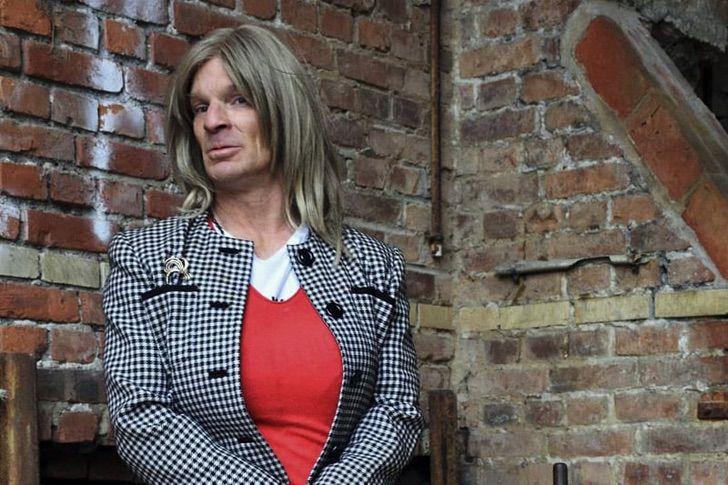 Una mujer trans quiere ser monja, pero los monasterios la rechazan.